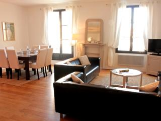 Flat with terrace in the Historic Center of Blois