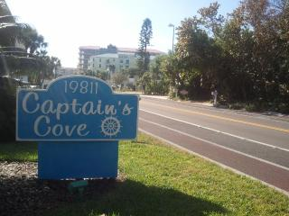 Captains Cove in Indian shores  2BR 2B overlooking, Indian Shores
