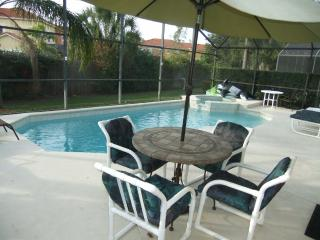 Luxury 5 Bed Villa with own pool close to Disney, Orlando