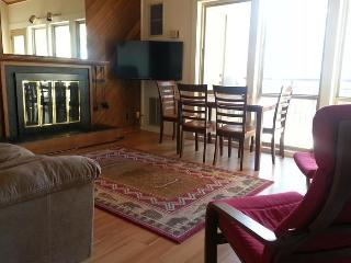 Private loft condo - Seventh Mountain Resort, Bend