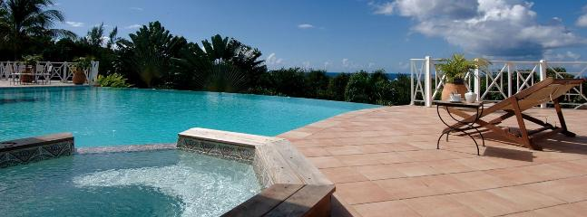 Villa La Josephine SPECIAL OFFER: St. Martin Villa 382 Located Close To La Samanna Hotel Giving Lovely Views Over Baie Longue And The Caribbean Sea., Terres Basses
