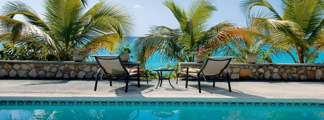 Baie Longue Beach House SPECIAL OFFER: St. Martin Villa 117 The Large Swimming Pool Is A Wonderful Place To Relax And Spend The Day Lounging., Terres Basses