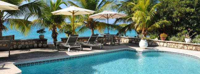 Baie Longue Beach House SPECIAL OFFER: St. Martin Villa 354 The Large Swimming Pool Is A Wonderful Place To Relax And Spend The Day Lounging., Terres Basses