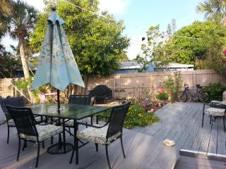 outdoor common area dining area