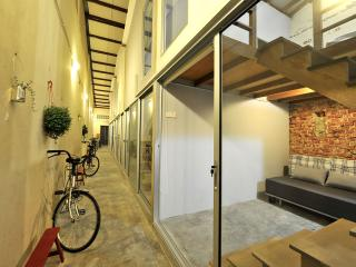Dou Houz Guest House Room  for 2 pax, Georgetown