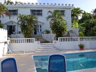 Top Of The World - 1 Bedroom Apt With Pool Access, Castries