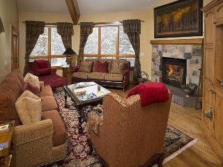 An easy walk to the Chair Lift #20 from this gorgeous vacation condo in Vail along Gore Creek.