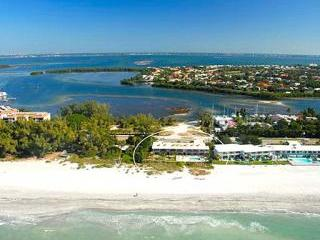 New Ocean Front 1 Bedroom Condo w/Private Balcony, Longboat Key