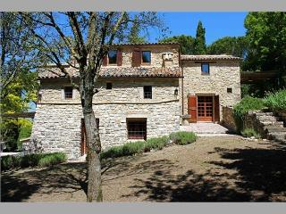 Old Country House With Amazing View, Garden, Pool, Civitella del Lago