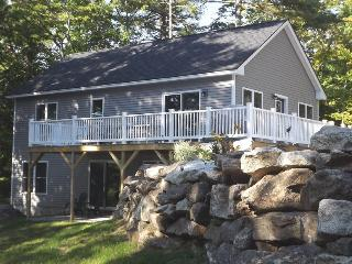 WHITELEY'S WHARF | BARTER'S ISLAND | LEWIS COVE | WATERFRONT WITH DOCK AND FLOAT | OPEN WRAP-AROUND DECK, Boothbay