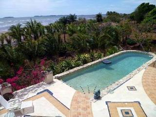 Incredible Beach Front House Very Private SolarEco, Boquete