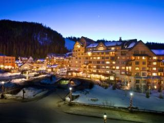 Zephyr: Ski-in/Ski-Out 1-bedroom condo in the heart of Winter Park Resort.