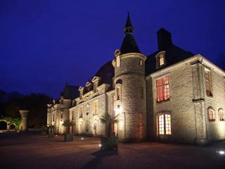 D'DAY NORMANDY LUXURY RENTAL CHATEAU.POOL & TENNIS, Normandia