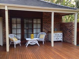 GOLD COAST WOODS COTTAGE / Granny Flat, Surfers Paradise