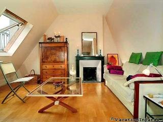 Luxembourg Two Bedroom in Paris Latin Quarter