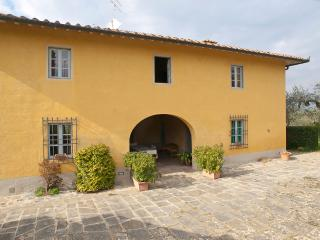 Beautiful Farmhouse in the Florentine Chianti Hills, San Casciano in Val di Pesa