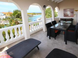 OCEAN SKY - 2 bedroom penthouse with ocean view, Willemstad