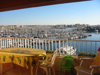 Large 2 Bed Apart with Terrace,Pool & Parking, Cap-d'Agde
