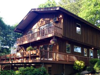 Charming Cabin * PRIVATE retreat * 4 seasons room, Lancaster
