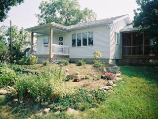 Private Cottage Sleeps 6, In Missouri Wine Country, New Haven
