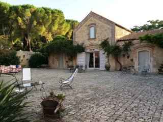 Country house with pool Modica