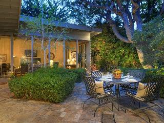 3469 Mi Amor ~ Secluded Retreat, Separate Guest Suite, Walk to the Beach, Carmel
