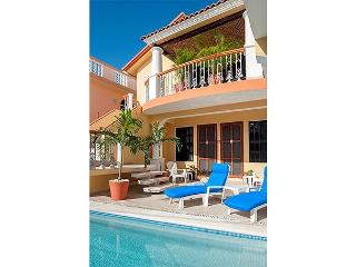 Spacious, well appointed 2 bdrm, 2 bath 2nd flr apt w lovely breeze w pool, Puerto Morelos