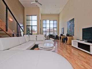 Large 3 Story - 3 BED - BATH LOFT, San Francisco