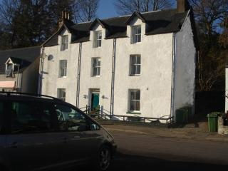Dolphin View two bedroom holiday apartment, Lochcarron