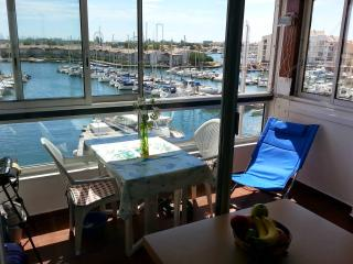 APPARTEMENT BELLE VUE PANORAMIQUE  FACE AU PORT, Cap-d'Agde