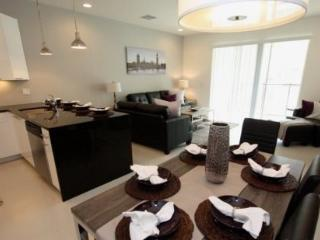 3 Bed 3 Bath Town Home with Pool and Balcony. 17508PA, Orlando