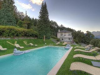 Refined luxury villa with pool & wellness!, Baveno