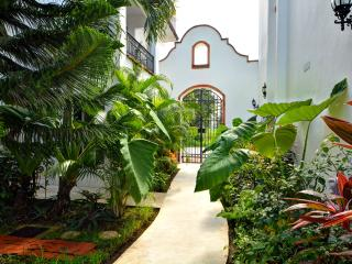 Gaviotas - Las Flores Properties  Great Deal!!, Playa del Carmen
