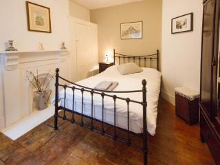 Central Located Victorian Flat, London