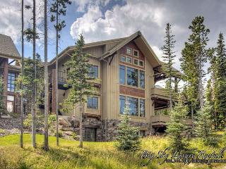 5BD Luxury Suite w/Outdoor Living Area, Hot Tub, Game Room, Ski Access & More, Big Sky