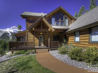 Great Views! Private Hot Tub, Game Room, Home Theater, Close to Yellowstone!, Big Sky