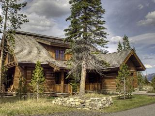 3BD Cabin in Private Ski & Golf Community: Private Hot Tub, Club Amenities, Big Sky