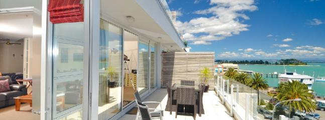 Seaside Luxury, Nelson