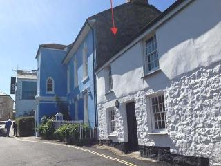 MOUNT VIEW, first floor apartment, pet-friendly, shared enclosed garden, ideal for families, in Penzance, Ref 918890