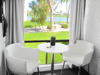 Scottsdale: 3 Room Golf & Lakeview Suite