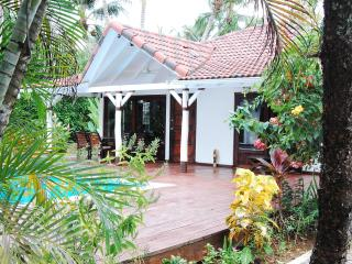 Villa El Secreto - Charming, private villa steps to Las Ballenas Beach and Town, Las Terrenas