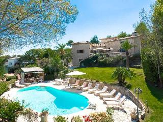 Lovely Family Villa, close to Valbonne
