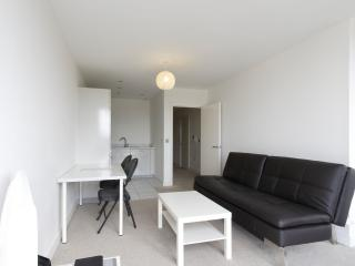 KD Tower, 1 Bed Luxury Apartment, Hemel Hempstead