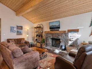 Knotty Pine North Tahoe Vacation Rental Cabin, Carnelian Bay