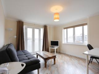 Handleys Ct, Apt 45 - Std 2 Bed Luxury, Hemel Hempstead
