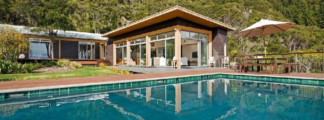 Te Atawhai Luxury Holiday Home, Nelson