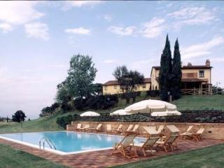 luxury country house sunflower, Montopoli in Val d'Arno
