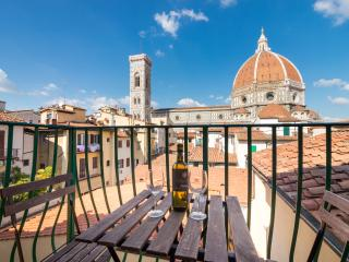 Huge Flat with Duomo breathtaking view, Florencia