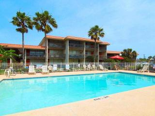 Sunny Beaches, recently remodeled 3 bedroom condo, Port Aransas