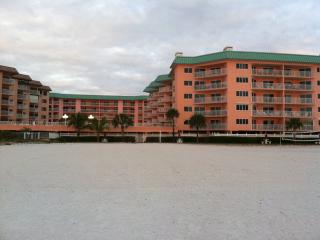 Gulf/Pool Front Corner Unit, Indian Shores